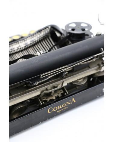 Vieille machine à écrire Corona