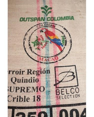 tapis avec sac à grain de café